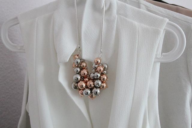 primark-weste-weiß-white-trend-summer-modeblog-rosegold-kette-fashionblog-berlin
