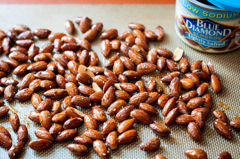 Truffle salt and pepper honey roasted almonds and 9 more healthy travel snacks | #flavoryouradventure