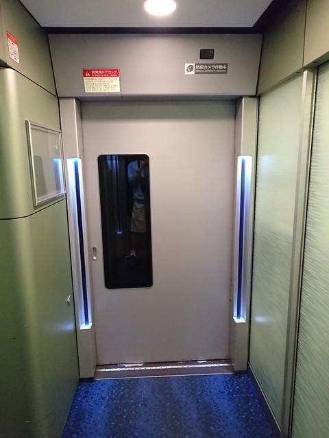 新型AE形電車:入口