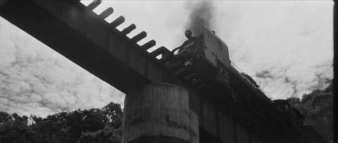 69−木村が砂をまきながらD60は橋梁を渡る