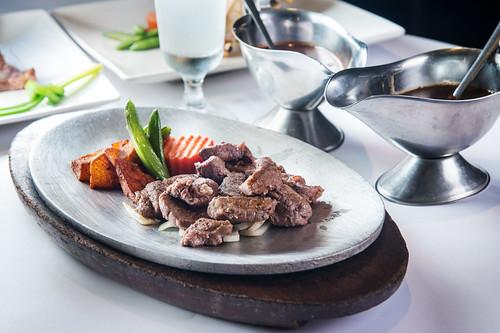 新國際西餐廳:我最喜愛的高雄牛排館,沒有之一-紐西蘭骰子牛排