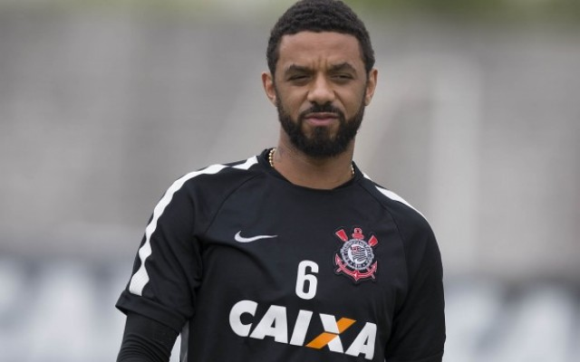 Fora dos planos, Cristian e Mendoza devem ser negociados pelo Corinthians