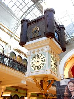 퀸 빅토리아 빌딩 시드니 근처 의 이미지. queen victoria building english clock sydney australia
