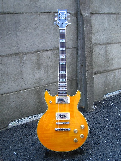 Photo:Ibanez AR300AM (2004 Korean model) By yoppy