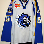 Dave Roche 01-02 Bridgeport Sound Tigers Home Game Jersey
