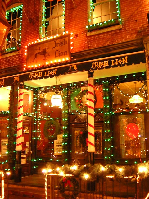 irish lion pub dressed up for christmas bloomington