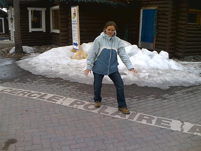 El círculo polar Ártico en Rovaniemi, Finlandia