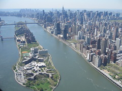 Roosevelt Island & UES - NYC (4-26-06) by hotdogger13, on Flickr