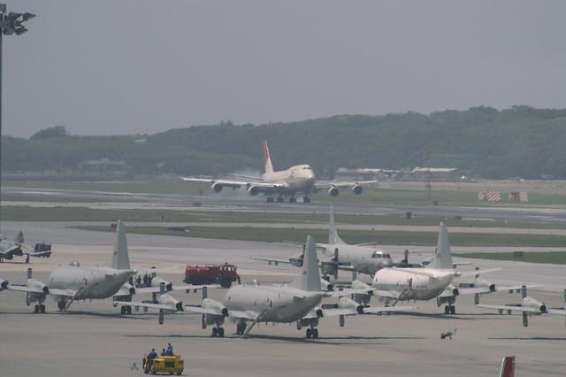 JAL B747-446D (JA8083) @ OKA/ROAH