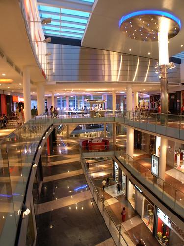 De compras por madrid espa a por descubrir for Centro comercial sol madrid