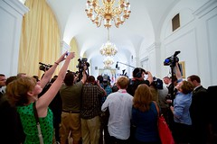 Photographers and videographers jostle for a view of the P5+1 ministers meeting on July 6, 2015, at the Palais Coburg hotel in Vienna, Austria, amid negotiations with Iranian officials about the future of their nuclear program. [State Department photo/ Public Domain]