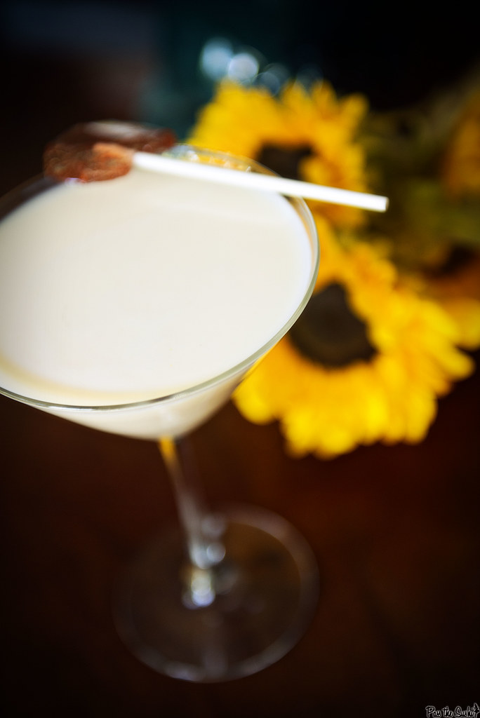 Lemon Cake Cocktail Recipe | PasstheSushi.com