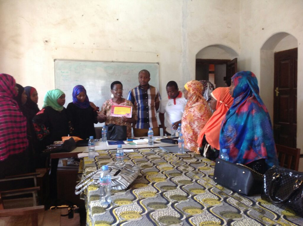 2015-8-1 Zanzibar domestic workers meeting