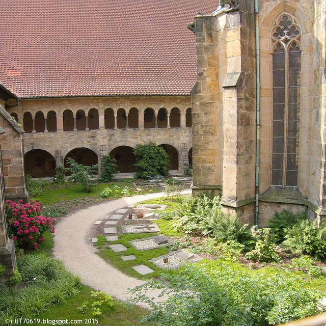 Dom Kreuzgang