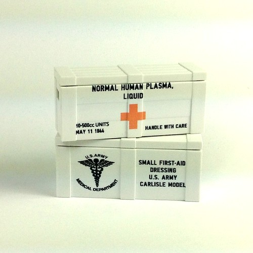 WW2 Red Cross crate - white