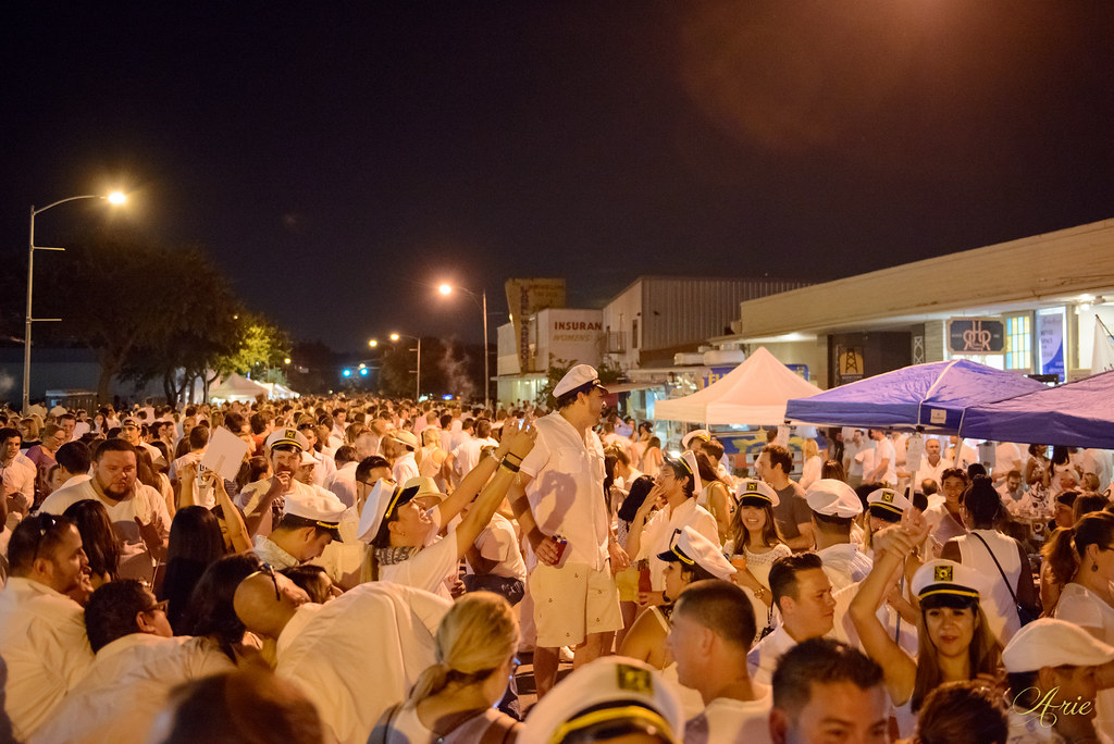 White Linen Night in The Heights 2015