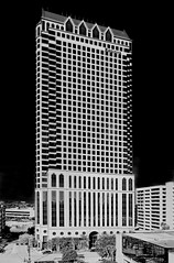 100 North Tampa Building, 100 North Tampa Street, Tampa, Florida, U.S.A. / Architect: HKS, Inc. / Completed: 1992 / Architectural Style: Postmodernism
