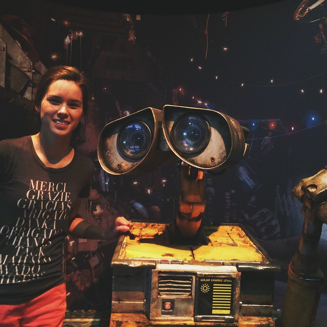 A photo with one of my heroes. I love you, WALL-E. #scienceofpixar #directive