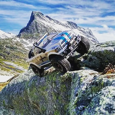 Missing the climate of Norway. Still thinking of the cool rides with my Vaterra.  #vaterra #ascender #prolineracing #teamstonerockers #crawlerkeller #teamdriver #rcmart #prolineracing #dodge #ram #norway #memorys