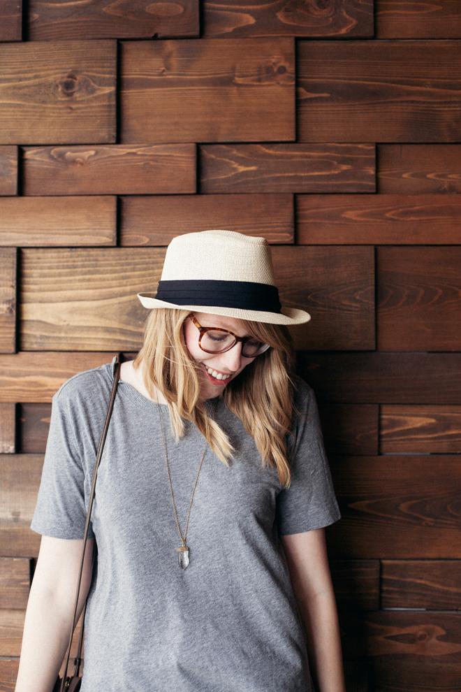 straw hat grey tunic1