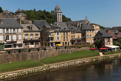 france june river europe village view dordogne montignac commune crêperie fleuve 2015 aquitaine meteorry sarlatlacanéda lavézère alpc letriskell aquitainelimousinpoitoucharentes