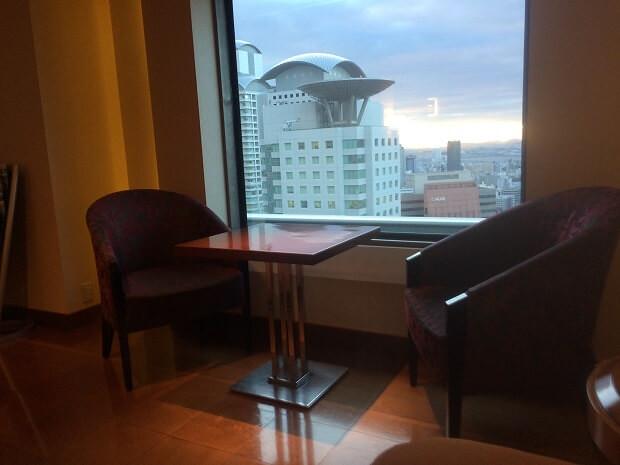 170103 ヒルトン大阪エグゼクティブラウンジ座席2