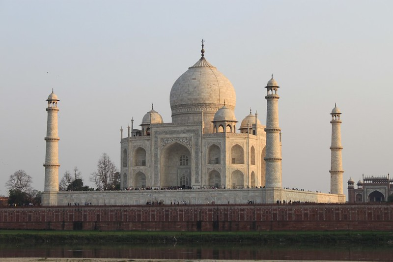 Taj mahal interesting facts about one of the seven world for Taj mahal exterior design