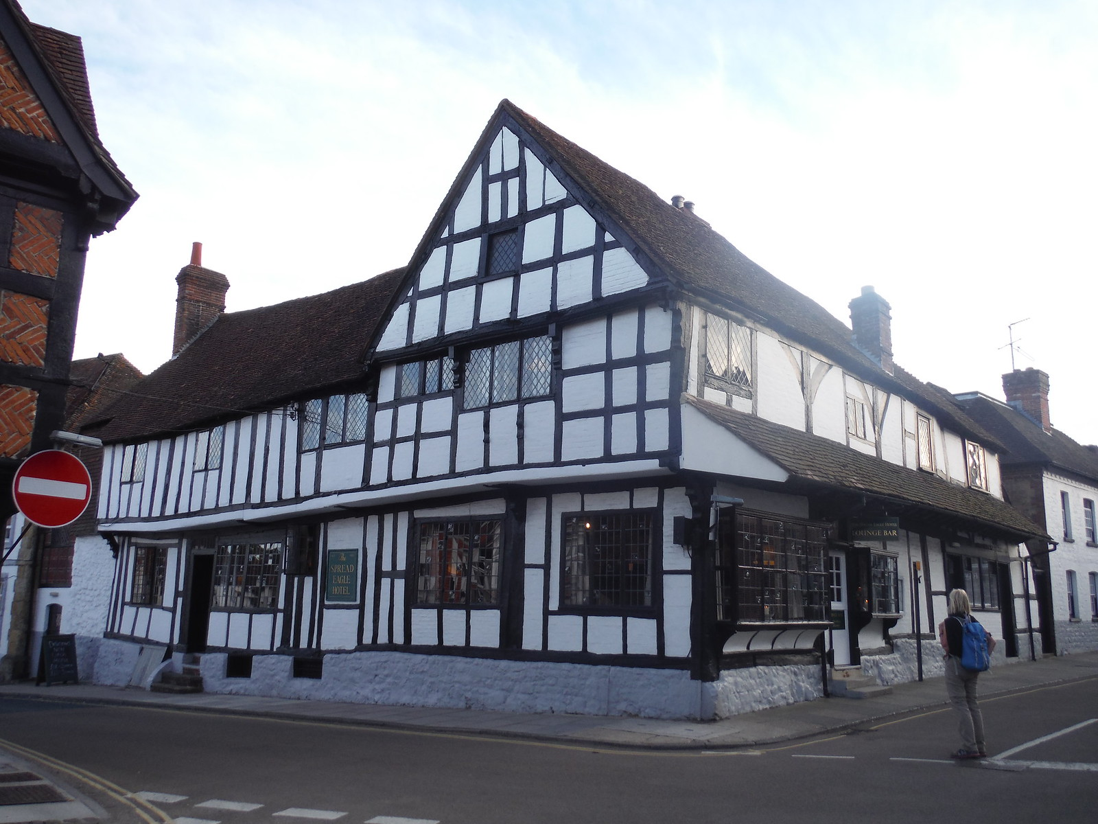 The Spread Eagle Hotel & Spa, Midhurst SWC Walk 217 Midhurst Way: Arundel to Midhurst