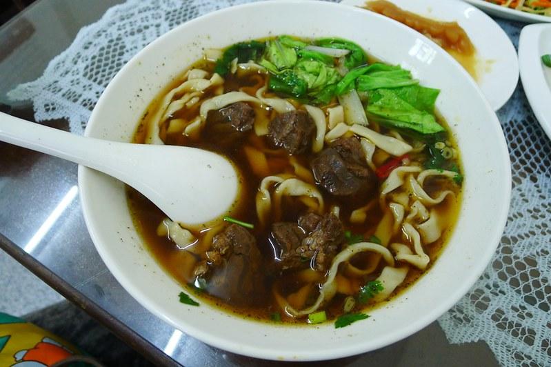 2紅燒牛肉麵 (1)