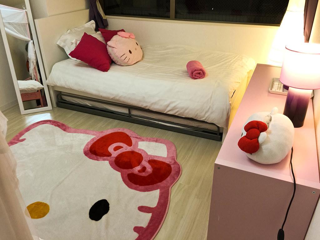 另一邊的床