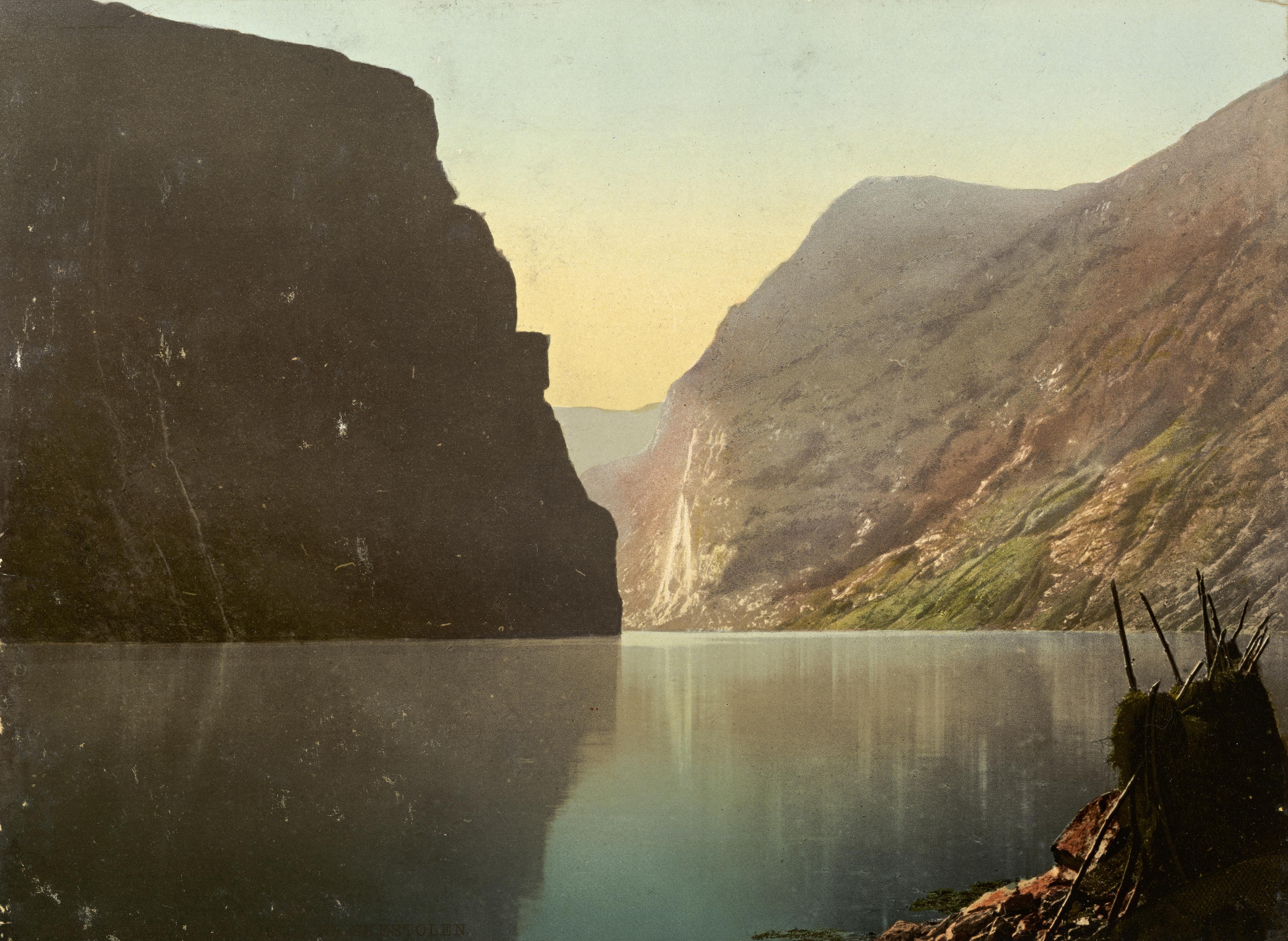 7069. Geirangerfjord, Prækestolen