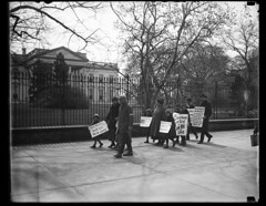 Passaic strikers' children picket the White House: 1926