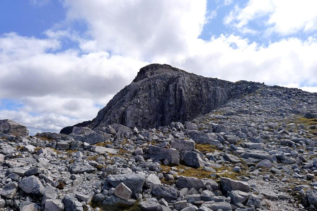 The Sgor Ruadh ridge