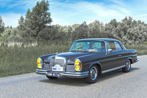 Mercedes-Benz 250 SE Coupé 1966 (3899)