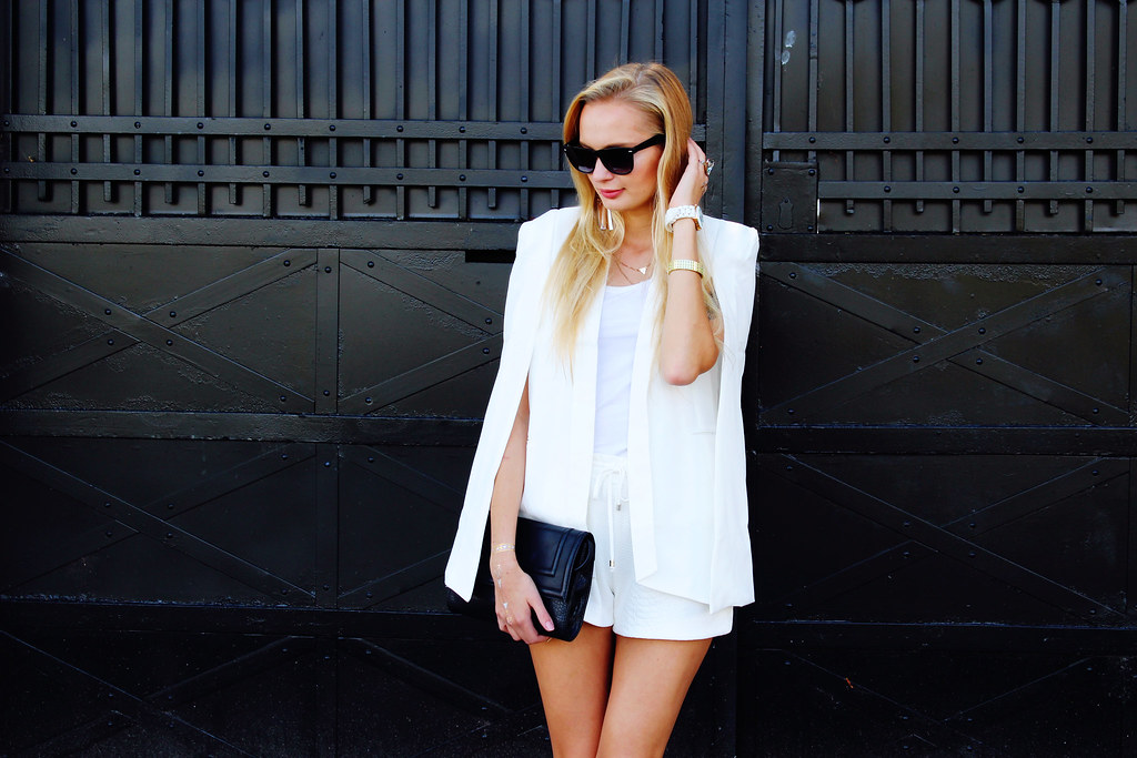 white-split-sleeves-blazer