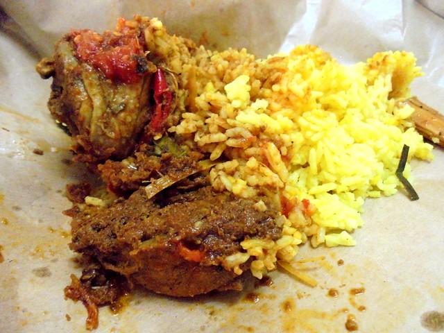 Nasi kuning ayam rendang