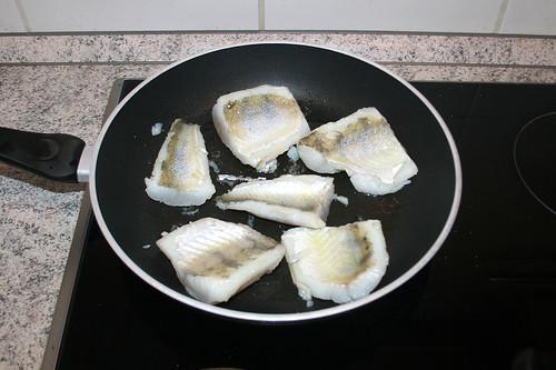 40 - Zander kurz auf Fleischseite braten / Braise zander filet on meat side