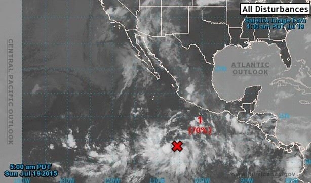 Huracán 'Guillermo' toma fuerza y se desplaza por el Pacífico