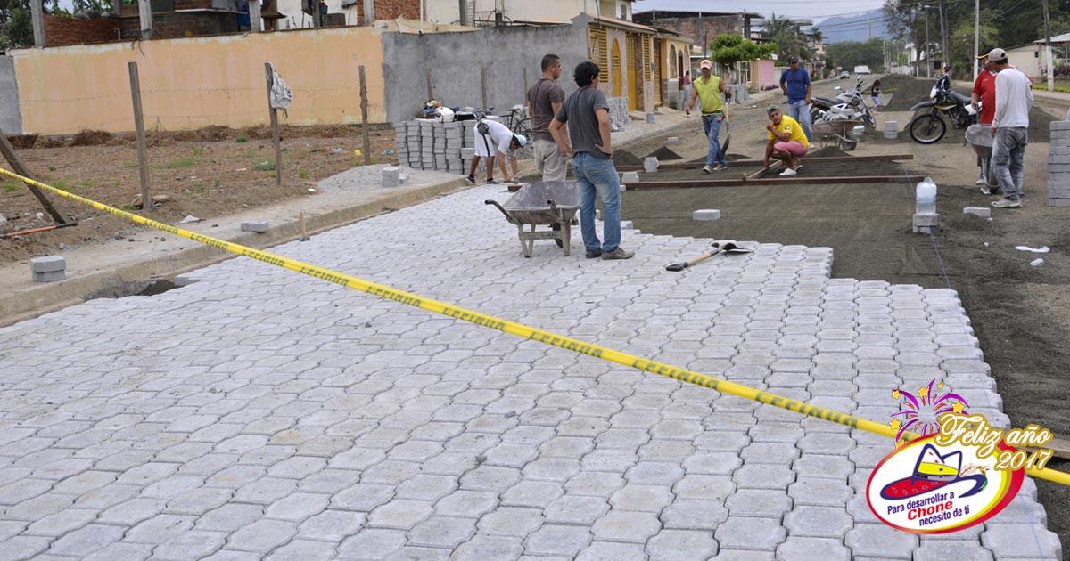 En Cdla. González inició la ubicación de adoquines