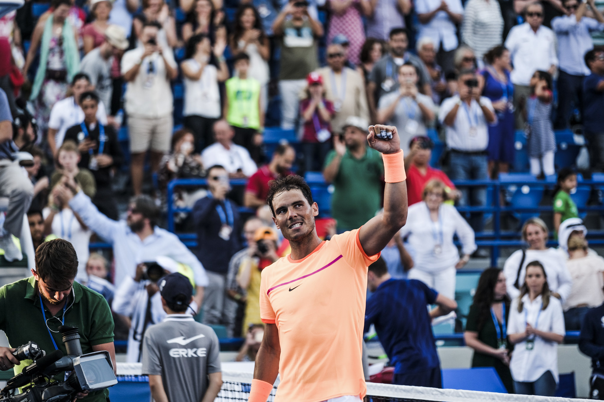 Rafael Nadal salutes the crowd upon defeating David Goffin