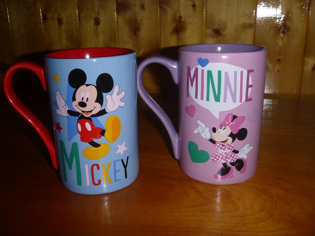 mickey and minnie mugs back