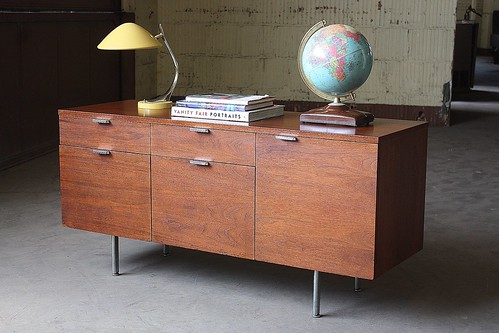 Sure Bet George Nelson Midcentury Modern Lockable Walnut and Chrome Credenza for Herman Miller (U.S.A., 1960s)