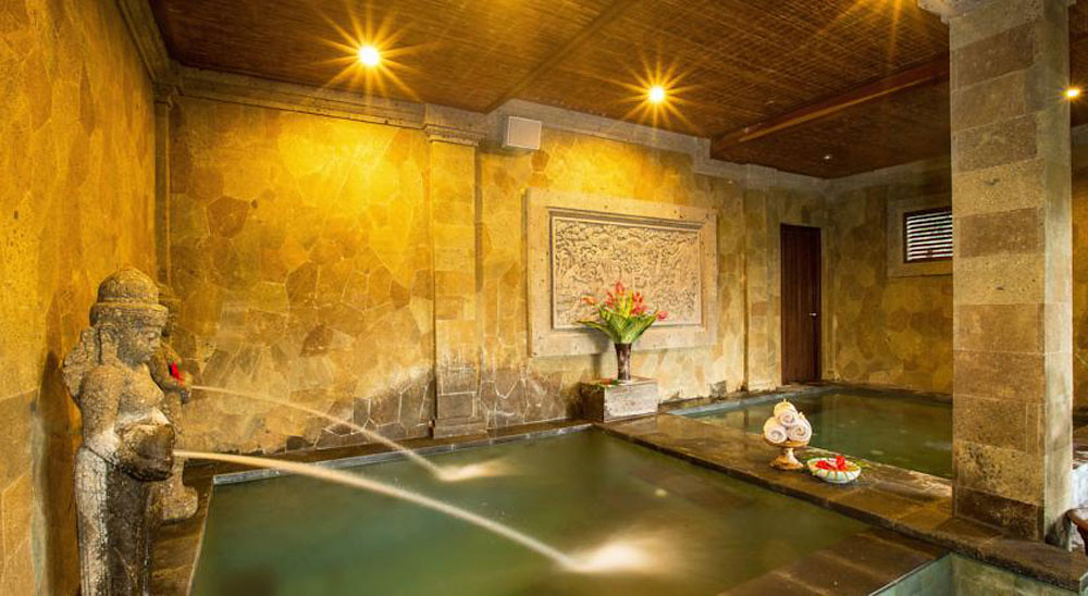 14-Bliss-indoor-spa-pool-by-Booking.com