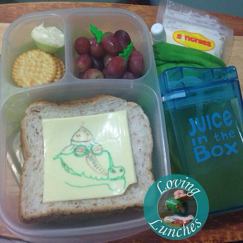Loving an Easy @easylunchboxes to start our week… a little #KungFuPanda inspired #Fung #cheesart with bikkies & dip, grapes with crocodile picks, @sinchies yoghurt and juice in our @boardwalkimports #JuiceInTheBox 😃 #schoollunch #funfood #funwithfo