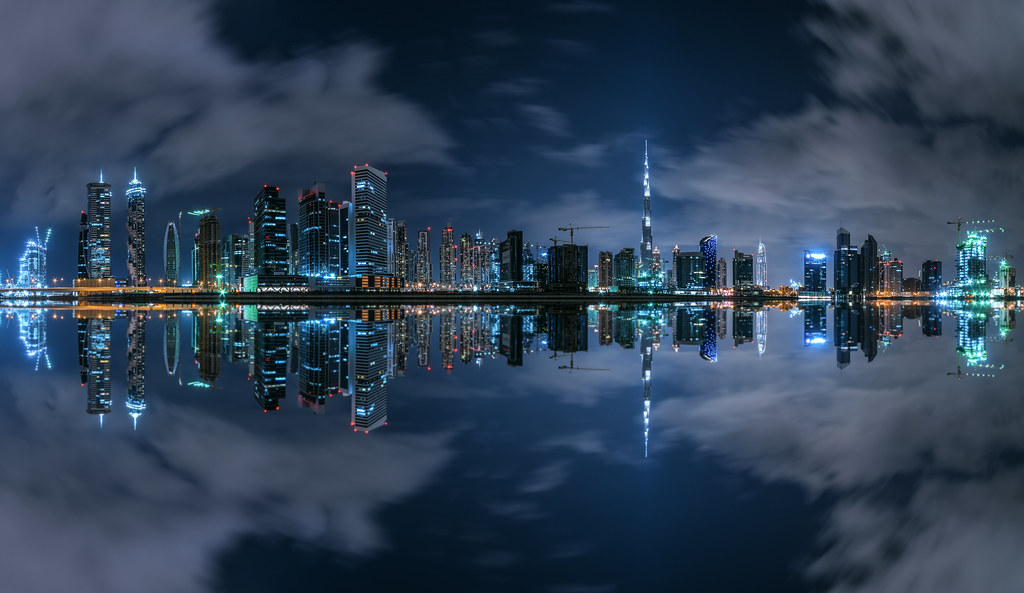 Dubai - Business Bay Panorama at Night