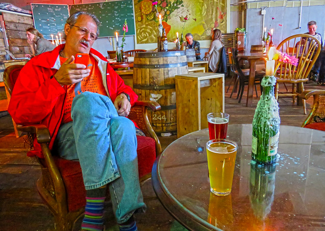 Al checks into Untapped about his beer in the Kaapse Brewpub at the Fenix Food Factory in Rotterdam