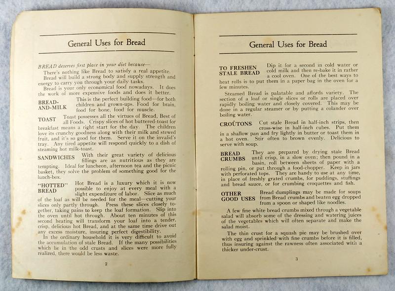 RD4157 1919 Fleischmann Yeast Cook Book Booklet - 65 Delicious Dishes DSC08635