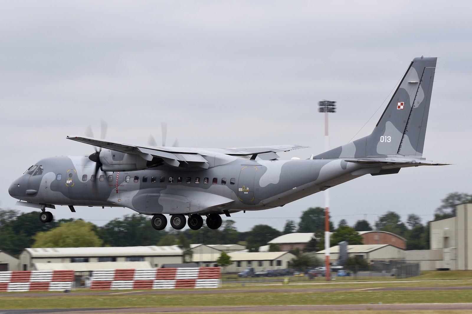 Tранспортни авиони 19094549753_35ce7d5251_h