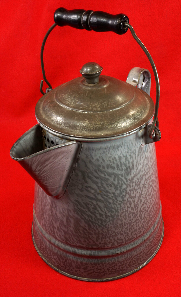 RD14935 Antique Large Gray Graniteware Coffee Pot with Lid & Black Wood Handle  DSC07527
