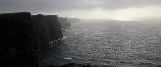 Cliffs of Moher, weather and waves
